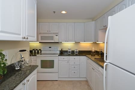 Beautiful 1 bedroom/ 20 minutes from Philly!!! - Cherry Hill - Lägenhet