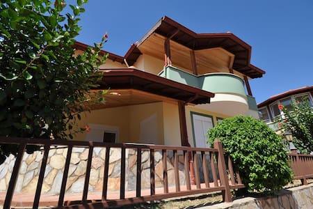 NL, 3B/R Seaview Villa in TEPE - Huvila