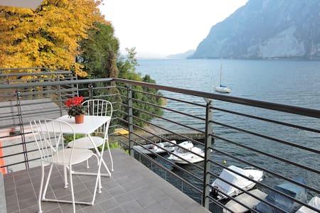 IL LARIO, il ramo del lago di Como - Apartment