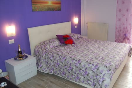 camere luminose a Roma-Borghesiana - Bed & Breakfast