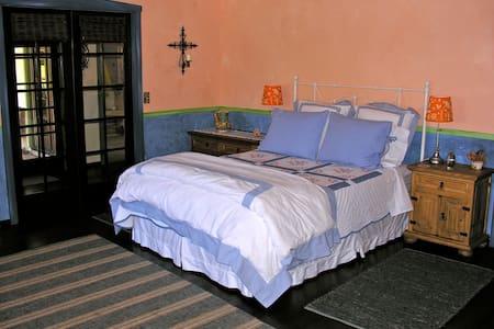 Fiesta Room on beautiful 92-acre Ranch - Santa Margarita