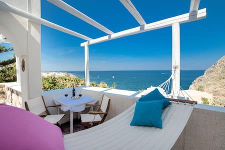 MOSCHATOS BEACH HOUSE 2