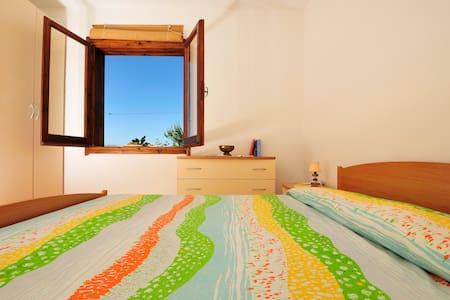 In villa, a Cala Moresca 2 di 3 app - Arbatax - Villa