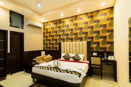LUXURY ROOM-1 KM FROM GOLDEN TEMPLE - Szoba reggelivel