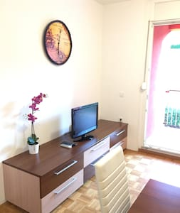 NEW MODERN APARTM. FOR 4 WITH PARKING KOPER CITY - Koper - Ev