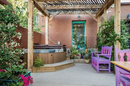Charming Casita with Patio