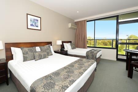 Private room in 4.5 star CBD Hotel