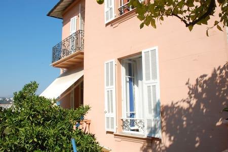 Villa Beatrice chambre Van Gogh - Niza - Villa