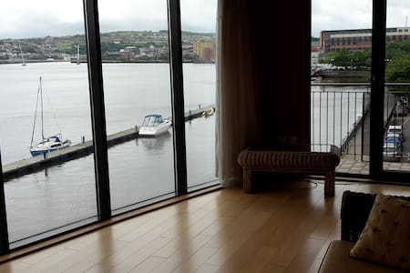 202 Clipper Quay - Apartment