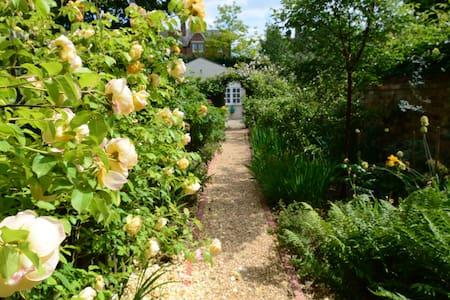 Enchanting Oxford garden cottage - Oxford - Cabane