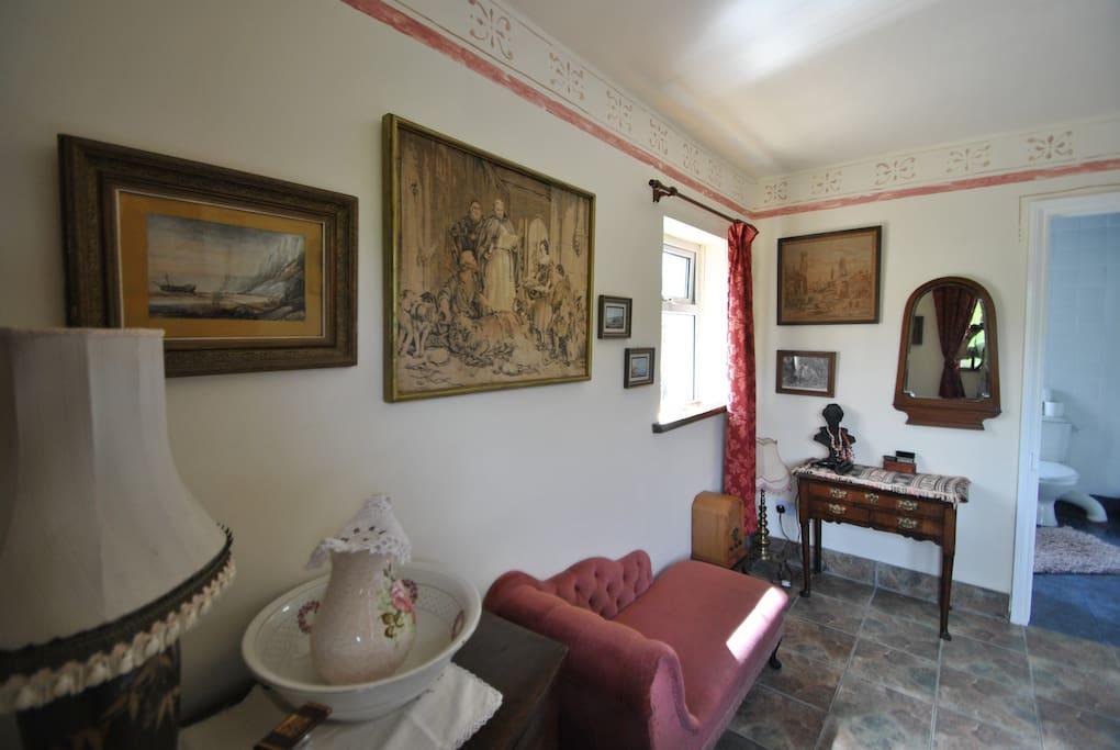 Your room; En-suite Bedroom with Queen sized half tester bed
