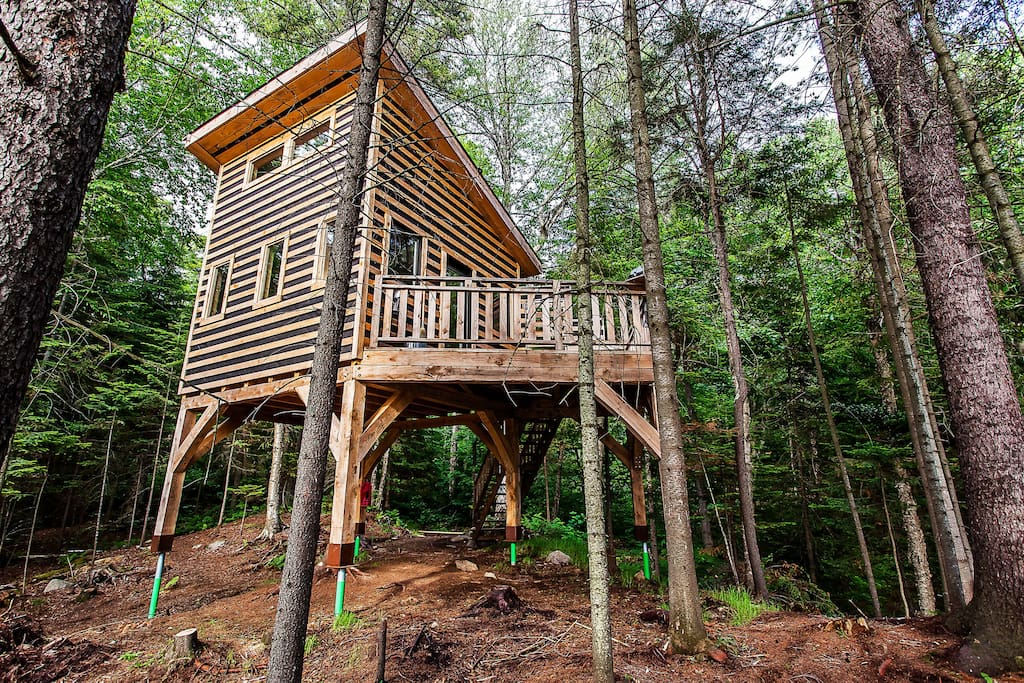 Mont tremblant treehouses treehouses for rent in saint for Treehouse kits do it yourself