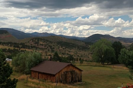 Escape to Rocky Mountain Foothills - Loveland