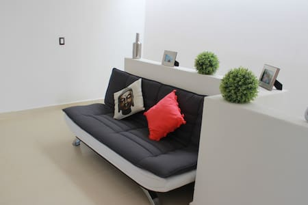MODERN HOUSE (DoubleBed Available)