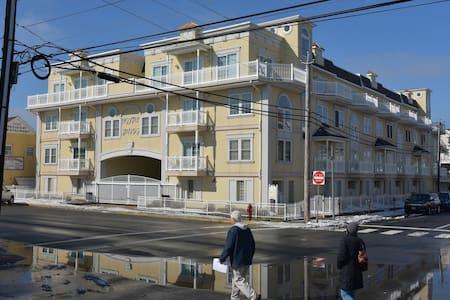 Ocean View in Seaside Heights 4BR - Townhouse