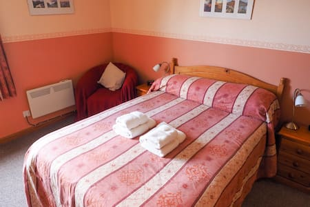 Ensuite Double Room with breakfast