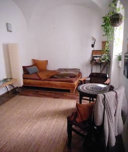 Gemütliche Altbauwohnung  - Wohnung