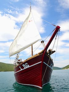 ELIZABETHD BOAT - CROATIAN PEARL - Trget - Barca
