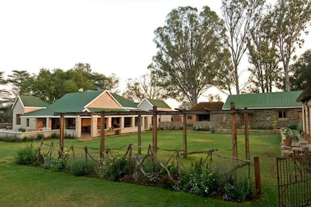 Dalmore Guest Farm - Bergville - Bed & Breakfast
