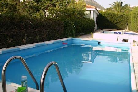 Casita con piscina, minimo 1 semana