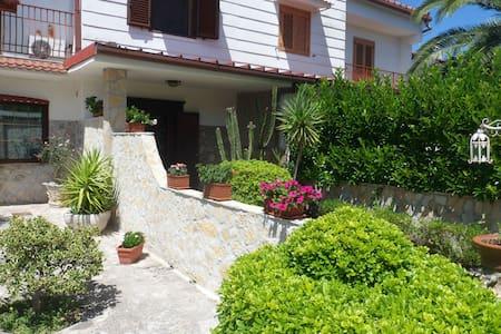 Taranto: La porta del Salento - Villa