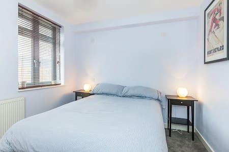 Light and Airy Stratford Home - Londres - Apartamento