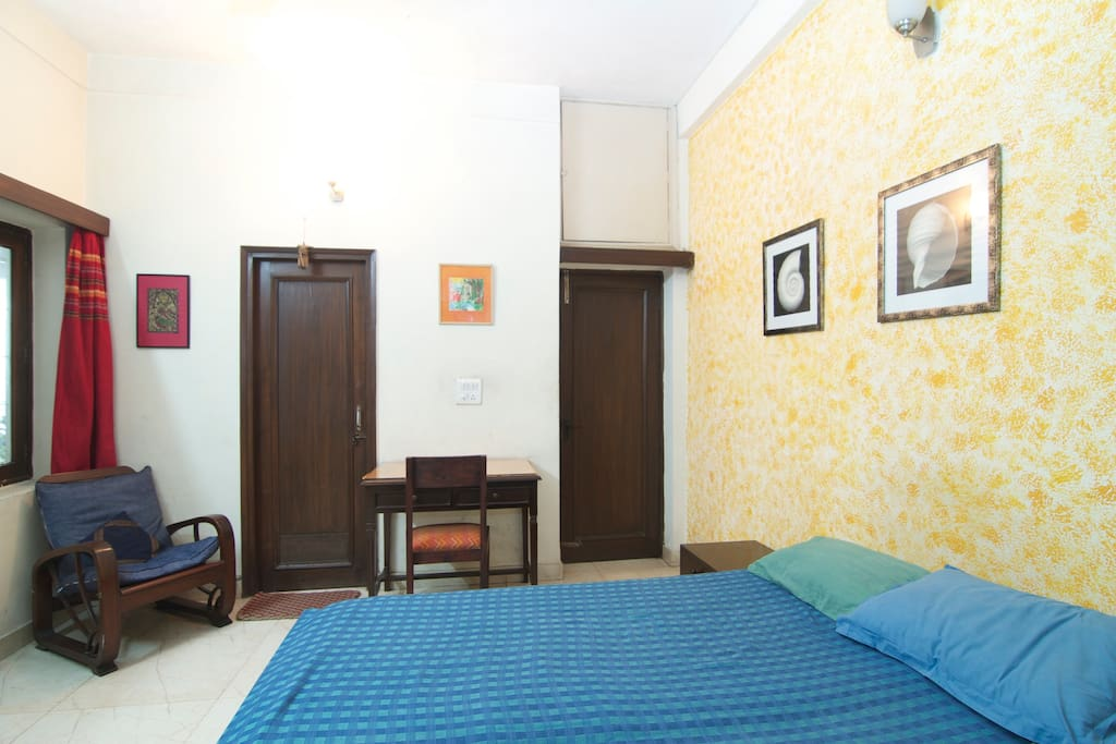 Nice room for two in South Delhi