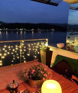 Luxuswohnung direkt am Rhein - Apartament