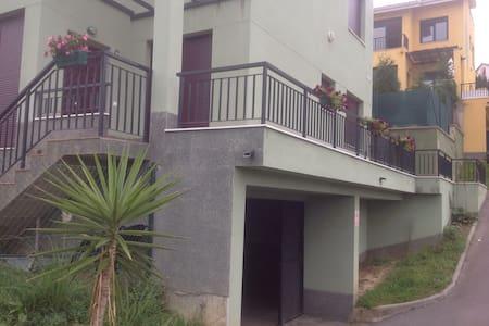 APARTAMENTO EN MUROS DE NALON - Apartamento