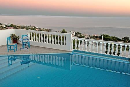 Nice villa , superb view to the sea - Achlia - Villa
