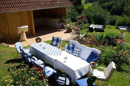 Ferienhaus Villa Thea in der Rhön - für 2-4, max 8 - Sandberg