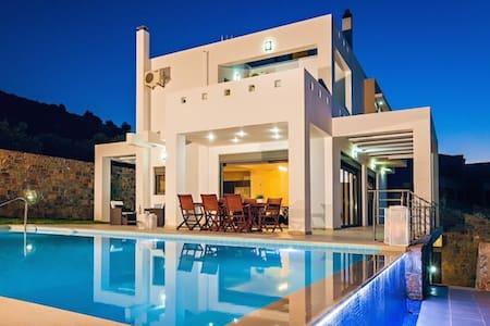 Luxury 6 bedroom Villa Neraida - Villa