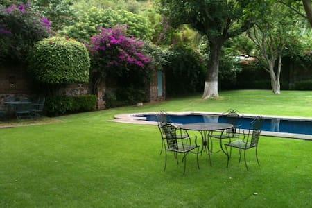 Magnificent Villa, Private pool - Malinalco