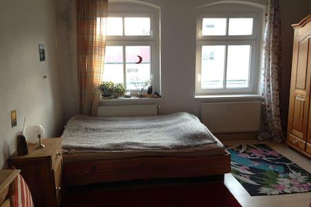 gemütliche Wohnung in Eberswalde - Apartamento