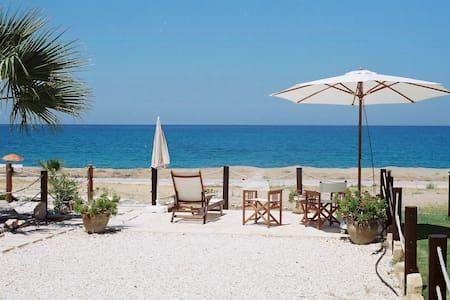 Our Arsinoe Beach, Latchi, Cyprus - Ház