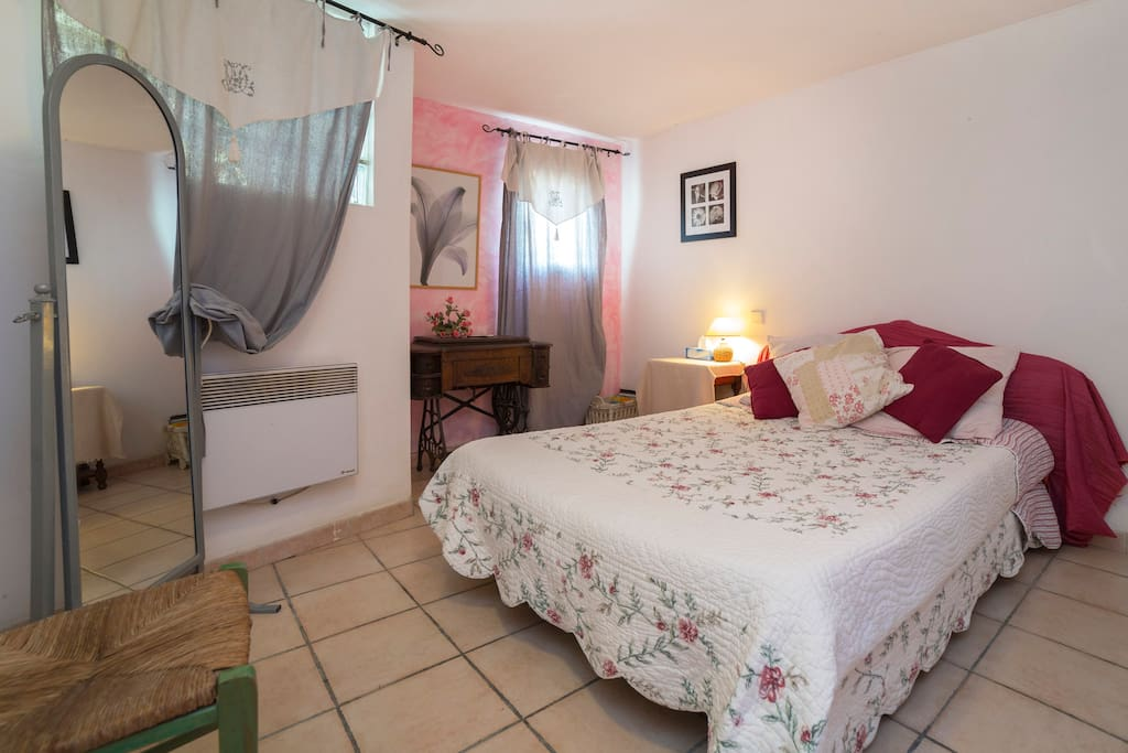 Chambre pour 2 personnes / Bedroom for 2 people