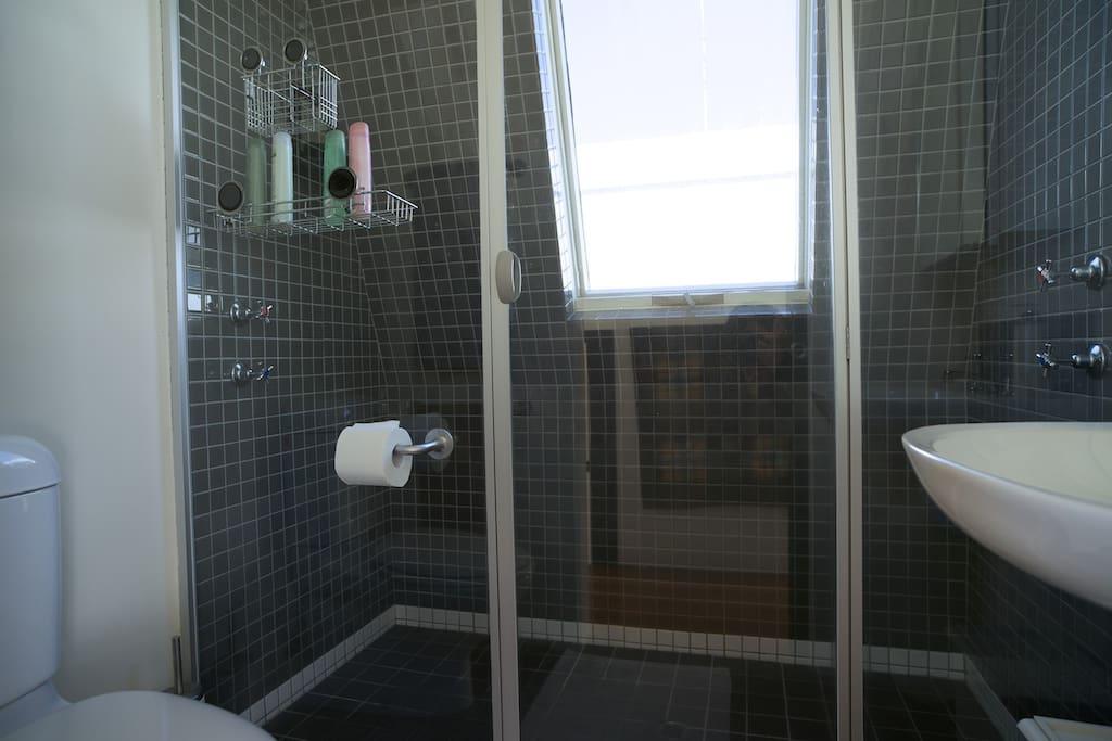 Level 3 bathroom
