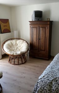 Charming room with private bathroom - Oudenaarde - House