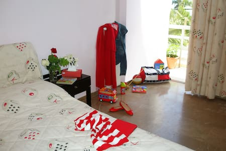 Family Guestroom @ Livanates - Bed & Breakfast