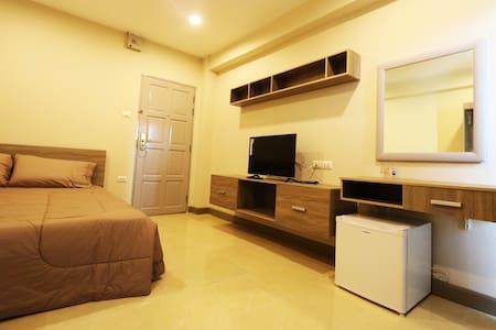 T3 Residence Soi Nakniwat 20 Standard Room 2 - Apartment