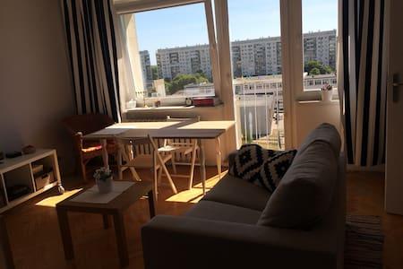 Cosy studio flat-10 min. to beach! - Lägenhet