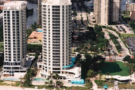 Doublee Tree  Apartment in Miami!