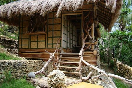 Coco Cottage at Nature's Eye Beach - Hut
