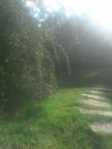 casa de 100 mts 2 con jardin - Atlantida - Casa