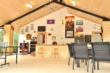 Luxury Cottage boBRENE on Tamborine - Rumah