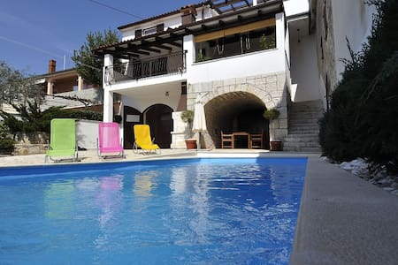Casa con piscina  ,   Villa Perinka - Hus
