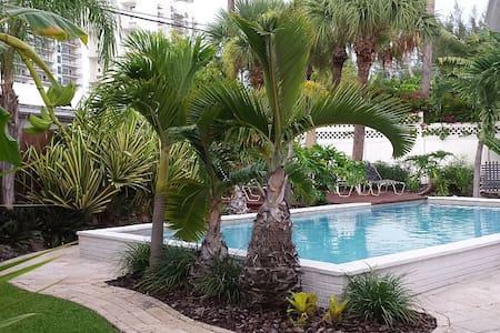 Harbor House - Riviera Beach
