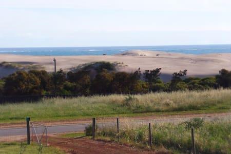SEA Views & Natural Surrounds