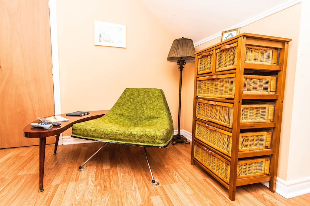 Salon lounge & Breakfast Nook