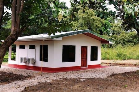 Cozy 2 bedroom Bungalow in typ. Costa Rican style - Playa Grande - (ukendt)